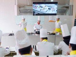 2021年学厨师,怎么选学校?